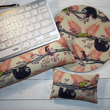 Sloths red - Mouse pad set - mouse wrist rest - keyboard rest  - coworker gift, under 50, office accessories, desk, cubical decor