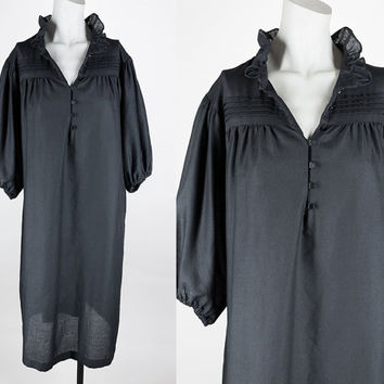 Vintage 70s Black Dress / 1970s Black Cotton Dark Bohemian Sack Dress S M L