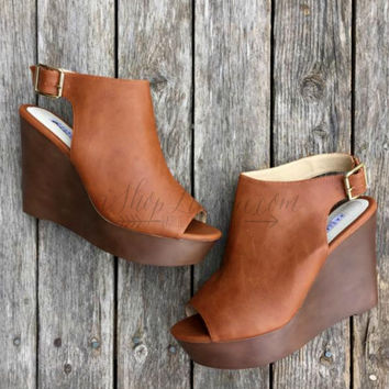 THE ALENA WEDGE