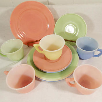 Hazel Atlas Little Hostess Pastel set 12 pieces, cups, saucers plates sugar creamer yellow pink green blue play tea set espresso demitasse