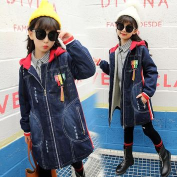 Trendy Girls Denim Jacket Loog Sleeve Hooded Children Thick Velvet Jacket Big Virgin Long Warm Coat Kids Clothes Girls Winter Outerwear AT_94_13