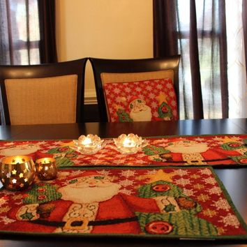 8 Piece Santa Clause Is Coming To Town Table Set, 2 Table Runners, 2 Cushion Covers, and 4 Placemats (DB15191PM-8PCST)