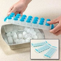 Chef Craft 21359 3-Piece Ice Cube Tray Round Push Out, Colors may vary, 11-Inch