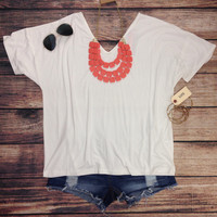 "SHORT SLEEVE ""V"" NECK PIKO IN WHITE"