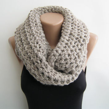 Chunky loop scarf, oat meal crochet infinity scarf