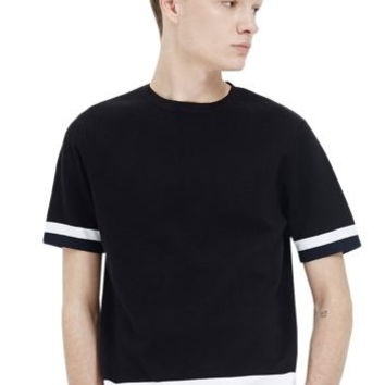 Black Color Contrast Detail Short Sleeve T-Shirt