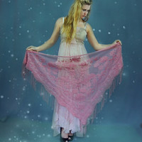 Darling vintage sheer dusty pink lace shawl / huge fringed floral print wrap / dreamy goth gothic hippie triangle