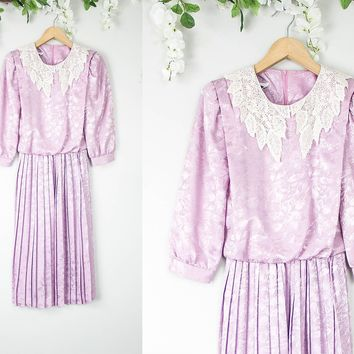 Vintage Lavender Lace Collar Dress