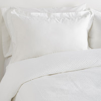 Alexander Comforts Resort Collection Linea Coverlet - White -