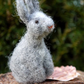needle felted bunny, miniature bunny, miniature hare, needle felted animal, easter bunny, easter home decor, felt easter bunny, waldorf felt