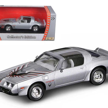 1979 Pontiac Firebird Trans Am Silver 1-43 Diecast Model Car by Road Signature