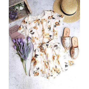 FINAL SALE - selfie leslie - belmont shore floral romper - white/cream