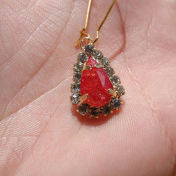 Crystal red earring,beautifull red earring