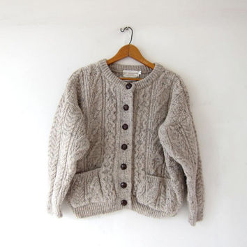 Vintage speckled oatmeal wool cardigan sweater. Irlish Fisherman's sweater. Chunky knit pocket sweater. Small