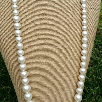 "Vintage Long Ecru Faux Pearl Bead Necklace, 34"" - Retro Chic / Art Deco Nouveau / Gift / Graduation / Wedding / Classy /  Special Occasion"