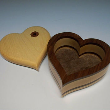 Best inlay jewelry boxes products on wanelo for Heart shaped engagement ring box