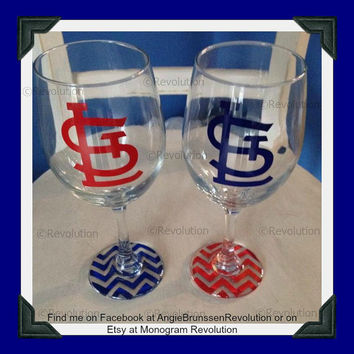 Set of 2 St. Louis Cardinal Inspired Wine Glass Chevron Bottom STL Cardinal Nation