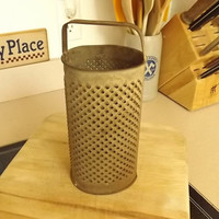 Antique Combination Round Oval Tin Grater Primitive Farm Vegetable Cheese Grater With Handle Collectible