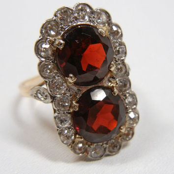 Vintage Garnet and Diamond Ring / set in white and yellow gold / Engagement ring / unique / Art Deco / big garnets / Garnet ring / January