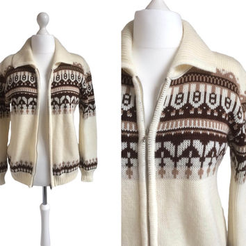 70's Cardigan - Zip Up Cardigan - Vintage Sweater - Cream With Horizontal Brown Patterned Bands