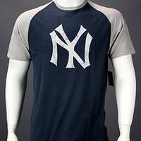 New York Yankees Raglan-Style Vintage Retro Logo T-shirt by Wright  Ditson