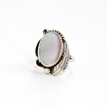 Vintage Sterling Silver Pink Mother of Pearl Ring - Size 8 1/2 Retro Southwestern Native American Style Leaf Statement Jewelry