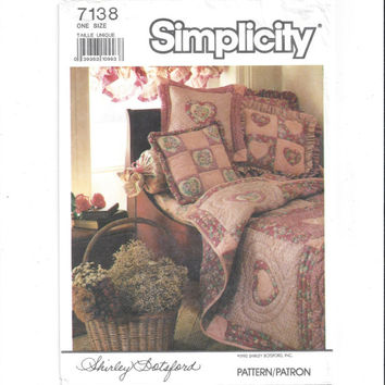 Simplicity 7138 Pattern for Quilted Appliqued Hearts, Quilts, Pillows, Wall Hanging, School of Quilting by Shirley Botsford, Vintage Pattern
