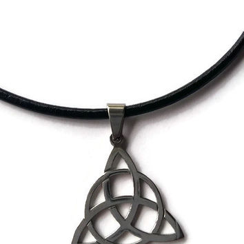 CelticTriquerta Trinity knot stainless steel black leather choker necklace