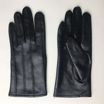 Ladies Vintage Driving Gloves / Black Genuine Leather Driving Gloves / Stitched Soft Leather Women's Gloves / Small Wrist Length Gloves