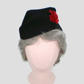 Vintage Black Wool Tilt Hat with Crimson Ribbons, 1940s Felt Beret with Red Velvet Bows