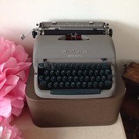 Remington Quiet-Riter Portable Typewriter  Working Typewriter In Wonderful Condition