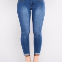 How You Get So Fly Booty Lifting Jeans - Medium Blue Wash