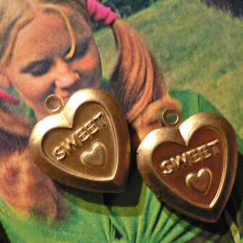 2pcs Vintage SWEET HEART LOCKETS Retro Brass