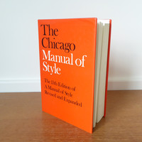 Chicago Manual of Style, 13th edition in excellent condition, University of Chicago Press