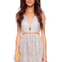 Lacey Sunday Belted Dress in Grey :: tobi