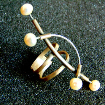 Stunning sterling silver and pearl ring-Avant garde silver ring-Pearl ring for women-Unusual silver ring-Artisan jewelry-Greek art