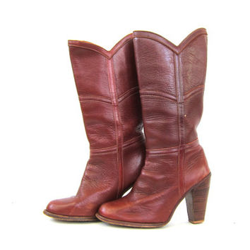 Vintage tall leather ZODIAC boots. cognac brown riding boots. high stacked wooden heels. 1970s 1980s cowgirl western boots. womens size 8