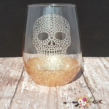 Flower skull etched stemless wine glass, Engraved wine glass,  Wine lovers, Stemless etched wine glass , Glitter dipped wine skull glass