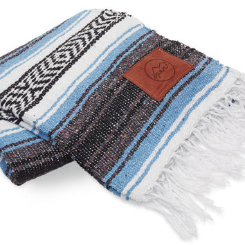 Give Perf Exclusive Sky Mexican Blanket
