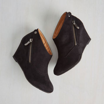 Urban Tea and Jam Session Wedge in Black