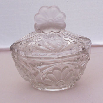 Vintage Clear Glass Trinket/powder/Jewelry box, Vintage depression glass trinket box, UK Seller