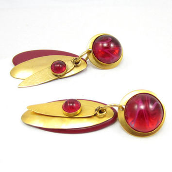 Fuchsia Pink Resin Gold Tone Dangle Clip On Earrings Statement Chunky Jewelry Gypsy Jewelry Funky Vintage Estate Jewelry Drop Style Retro