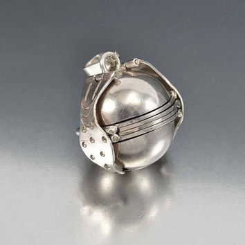 Silver Fold Out Photo Accordion Taxco Mexico Ball Locket