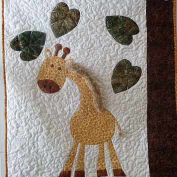 Gender neutral - Giraffe - Baby quilt - Bedding - Jungle - Safari - Zoo - Boy - Stroller - Crib - Homemade