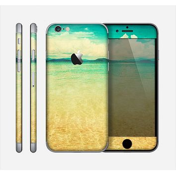 The Vintage Vibrant Beach Scene Skin for the Apple iPhone 6