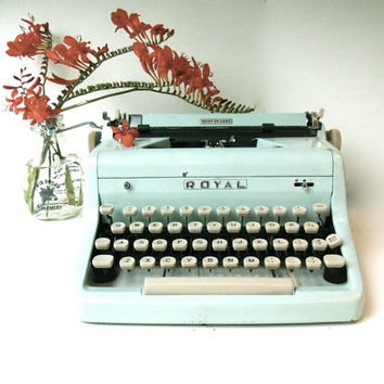 royal typewriter ICE BLUE RARE/ working typewriter /1950s typewriter vintage royal quiet de luxe deluxe 1950s mid century midcentury