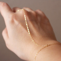 Simple Chain Slave Bracelet / Slave Bracelet / Hand Chain Bracelet in Gold or Silver