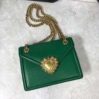 DCCK D&G DOLCE & GABBANA WOMEN'S LEATHER INCLINED CHAIN SHOULDER BAG