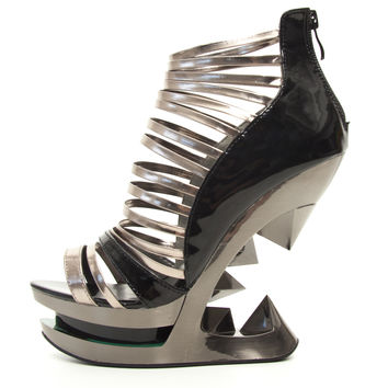 Hades 'Discor' Shark Teeth Heel