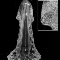 Outstanding Chapel Wedding Bridal Veil with Lace Applique Edge